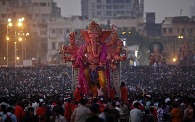ganesh-chaturthi-procession